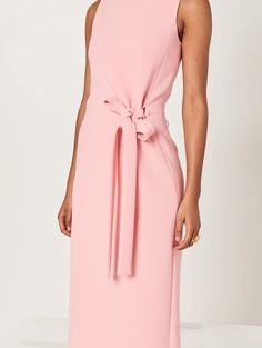 Product Description Crafted in an unwaveringly elegant column silhouette, this bloom bonded stretch-crepe gown is detailed with a bateau neck and tied waist. Look Fashion, Womens Fashion, Corporate Attire, Classic Suit, Silk Midi Dress, Haute Couture Fashion, Pink Outfits, Office Fashion, Office Outfits
