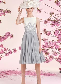Scoop Neck Knee-Length Appliques Lace Chiffon Satin Zipper Up Regular Straps Sleeveless Yes Silver Spring Winter General Mother of the Bride Dress