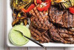 Biftecks de faux-filet, sauce verte crémeuse