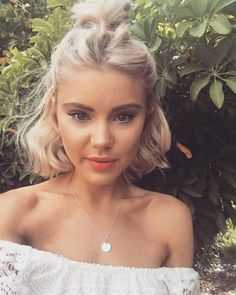 Hairstyles vlecht 23 Stunning and Easy Hairstyles for Short Hair; 23 Stunning and Easy Hairstyles for Short Hair; French Braid Hairstyles, Chic Hairstyles, Cute Hairstyles For Short Hair, Medium Hairstyles, Hairstyles 2016, Wedding Hairstyles, Makeup For Short Hair, Natural Hairstyles, Bob Hairstyles How To Style