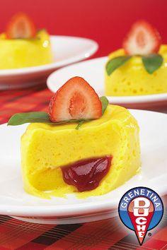 Mango relleno de Chamoy Jello Recipes, Mexican Food Recipes, Dessert Recipes, Desserts, Yummy Treats, Yummy Food, Dessert Salads, I Love Food, Sweets