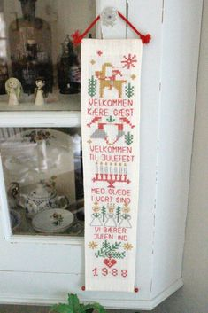 The 8 decorative objects tend to offer Christmas! Danish Christmas, Scandi Christmas, Christmas Sewing, Christmas Candles, Modern Christmas, Christmas Cross, Christmas Holidays, Christmas Ideas, Scandinavian Christmas Decorations