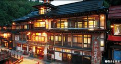 One of Japan's biggest charms is the fact that modern buildings stand side by side traditional structures. Allow us to introduce 6 spots of Japan's most traditional and scenic. Shirakaw…