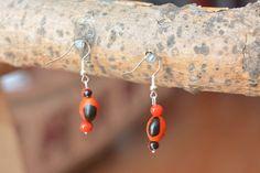 Boucles doreilles, perles de huayruro du Pérou, crochet en métal ou en argent, au choix. Les graines rouges de huayruro sont issues dun arbre de la