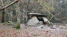 PREHISTORIA-ARQUITECTURA-Dolmen-Dolmen de Axeitos