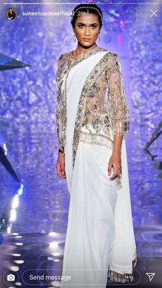 Desi Wear, Sari, How To Wear, Fashion, Saree, Moda, Fashion Styles, Fashion Illustrations, Saris