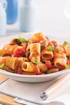 Rigatoni, Sauce Crémeuse, Fruit Salad, Waffles, Breakfast, Ethnic Recipes, Foodies, Italian Sausages, Eat