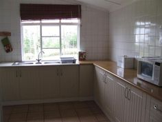 Volunteer World International @ Kariega - sustenance preparation facilities (the kitchen area!