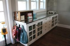 Good idea hanging bags on the end of a counter