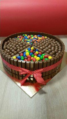 m&m's & kitkat cake