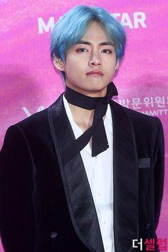 The Seoul Music Awards Taehyung, Seoul Music Awards, Korean, Bts, Dolls, Men, Baby Dolls, Korean Language, Puppet