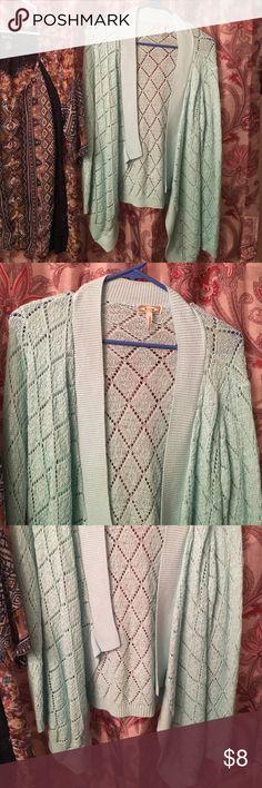 Kirra sweater. Size M. Kirra sweater. Size M. Good condition. Light weight. Kirra Sweaters Cardigans