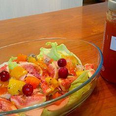 本当はお湯に溶かして飲むお茶をドレッシング代わりにしました。グレープフルーツとオミジャなので、甘酸っぱくて子供にも好評。 - 1件のもぐもぐ - フルーツサラダ fruits salad with grapefruit&omija tea past by yuyuwoyu07106