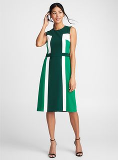 Perfect work outfit for women, a classic Camille colour block dress - Collections - Patterned Green Workwear Fashion, Office Fashion, Work Fashion, Day Dresses, Dresses For Work, African Wear Dresses, Colour Block, Colorblock Dress, Fashion Colours