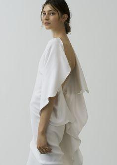 Designer: Little Black Dress. Foto: Amanda Camenisch. Mehr zum Label: https://www.marryjim.com/de/little-black-dress/Designer-Brautkleider/id54  Just stunning wedding outfit by Little Black Dress found on MARRYJim. More infos about the label: https://www.marryjim.com/en/Little-Black-Dress/designer-wedding-dresses/id53  #littleblackdress #brautkleid #hosenanzug #brautkleidstandesamt #kleidstandesamt #hochzeit #hochzeitskleid #weddingdress #zurich