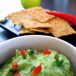 Vegano, sem glúten é fácil de fazer. Aprenda a fazer este delicioso dip mexicano que vai te deixar querendo sempre mais em http://veganosbrasil.com/guacamole/