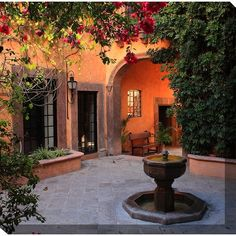 Mexican Style Homes, Hacienda Style Homes, Spanish Style Homes, Spanish House Design, Spanish Style Decor, Modern Spanish Decor, Spanish Mansion, Spanish Colonial Homes, Spanish Bungalow