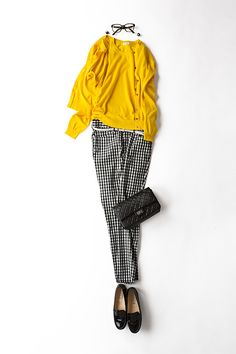I don't like or own yellow clothing. Replace with other strong  colour (red or blue).