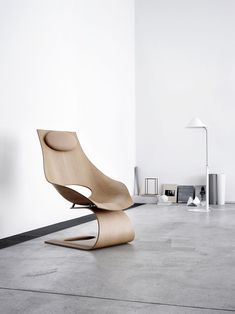 Dream Chair designed by Tadao Ando as a tribute to Hans J. Wegner Beach Lounge Chair, Hammock Swing Chair, Swinging Chair, Lounge Chairs, Milan Furniture, Modern Furniture, Furniture Design, Futuristic Furniture, Tadao Ando