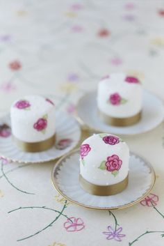 Hand painted mini cakes