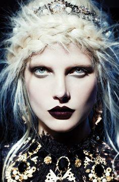 """Inspiração Make gótica! Outubro de 2012 """"Dark Ages""""."""