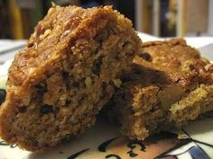 Low-Fat Oatmeal Blondies - low-fat, low-cholesterol, low sodium oatmeal version of an old favorite.