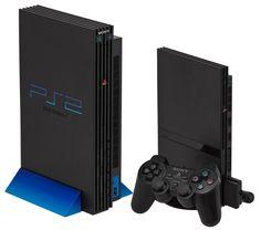 Playstation 2 - Oficialmente abreviado para PS2, o console é o segundo a ser produzido pelo Sony, teve sua estréia dia 4 de março de 2000 no Japão e depois na América do Norte em Outubro. Depois de um ano lento nas vendas, o console cresceu e se tornou o mais popular na história dos vídeo-games. Em 2011 a Sony anunciou que o PS2 chegou ao patamar dos 150 milhões de unidades em todo o mundo. Em 4 de Janeiro de 2013 a Sony anuncio ao Mundo o cessar da fabricação do Playstation 2.