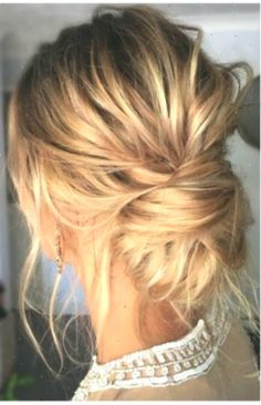 10 updos for medium-length hair from top salon stylists . Frisuren, 10 updos for medium-length hair from top salon stylists . Updos For Medium Length Hair, Mid Length Hair, Medium Hair Styles, Curly Hair Styles, Bridesmaid Hair Medium Length, Up Dos For Medium Hair, Medium Curly, Medium Long, Thin Hair Updo