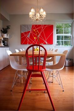Spaces that are decorated with purely modern furniture and accessories are often characterless, even harsh. Think of an American pizzeria from the 50s – all smooth, shiny surfaces, solid blocks of colour or checked patterns, sharp angles, and plastic and metal. No thank you!