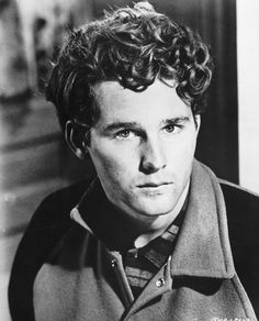 Birthday greetings to actor TIMOTHY BOTTOMS; he's 64 years old today. He made his film debut in 1971 as Joe Bonham in Dalton Trumbo's Johnny Got His Gun. The same year, he appeared alongside his brother Sam in The Last Picture Show. (He portrayed the same character in the 1990 sequel Texasville). He has appeared in other notable films such as The Paper Chase, Love and Pain and the Whole Damn Thing, Rollercoaster and Elephant.