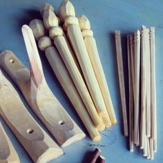 The last products that will be stocked are #spurtles and #chopsticks all made using only an #axe and #knifeskills #handtool #handmade #sustainable #supportlocalbusiness #shoplocal #tactile #designermaker #eco #greenwoodworking #slowdesign #sloyd #tree #nature #rustic