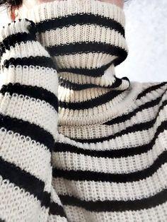 Black & White   Striped Turtleneck   Les Brèves - Tendances de Mode