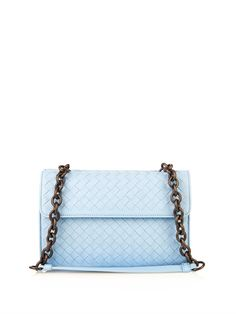 £1,475.00Bottega Venetas light-blue shoulder bag is based on an archival design. Its crafted from intrecciato nappa leather and brought firmly up-to-date with a sleek front flap and gunmetal chain top handle.