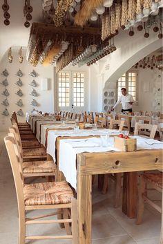9 Vibrant Tips AND Tricks: Rustic Design Art large rustic living room. Pizzeria Design, Decoration Restaurant, Restaurant Interior Design, Italian Restaurant Decor, Cafe Design, Rustic Design, Rustic Kitchen, Rustic Farmhouse, La Trattoria