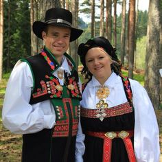 Folk Costume, Costumes, Art Populaire, Folk Clothing, Scandinavian Art, Best Mother, Headgear, Traditional Outfits, Norway