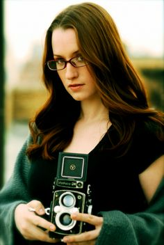 See Ingrid Michaelson pictures, photo shoots, and listen online to the latest music. Pop Singers, Female Singers, Ingrid Michaelson, Indie Pop, Girls With Glasses, Latest Music, Classy Women, Famous Faces, Pretty People