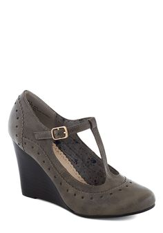 Pie Contest Wedge in Charcoal. Youre certain that first place at the county-wide pie baking contest is yours, and your confidence is only boosted when you stand before the judges in these T-strap wedges by Restricted! #grey #modcloth