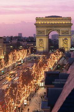 美しシャンゼリゼ通りのイルミネーションと凱旋門。パリの見所のひとつシャンゼリゼ通りを集めました!
