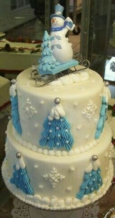 Cute idea for a winter cake Cakes To Make, Fancy Cakes, How To Make Cake, Christmas Cake Designs, Christmas Sweets, Christmas Baking, Christmas Cakes, Blue Christmas, Gorgeous Cakes