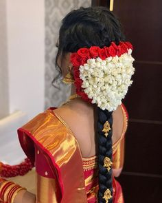 Image may contain: one or more people South Indian Wedding Hairstyles, Bridal Hairstyle Indian Wedding, Bridal Hair Buns, Indian Bridal Outfits, Bridal Braids, Bridal Hairdo, Hairdo Wedding, Wedding Hair Flowers, Bridal Hair And Makeup