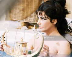 britishborn-actress-elizabeth-taylor-in-a-bath-scene-from-cleopatra-picture-id166989276 (1024×819)