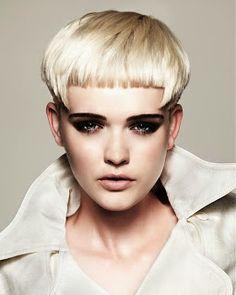 women+medium+short+haircuts+9.jpg 256×320 pixels