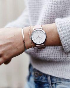 Soft tones #pinkwatch #gramercy #rosefield #rosefieldwatches #annanina #ootd…