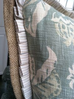 Burlap flange with pleated ruffle detail on pillow - Quatrine Custom Furniture Photo Gallery Custom Pillows, Decorative Pillows, Cute Little Girl Dresses, Textiles, Sewing Pillows, Creation Couture, Do It Yourself Home, Custom Furniture, House Furniture