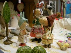 Julie Arkell's great work my inspiration. I adore these little paper mâché dolls.