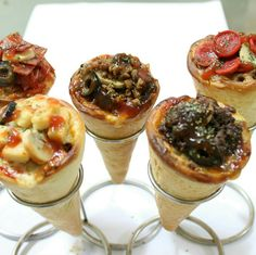 [Up to Off] Get Delicous Cone Pizza + Drink for 3 or 5 Persons at Classic Pizza Cone. Receita Mini Pizza, Comida Pizza, Pizza Project, Pizza Cones, Crudite, Hot Appetizers, Food Tasting, Easy Chicken Recipes, Snack
