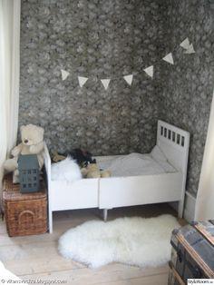 vitt,vimplar,lakan,säng,shabby chick,lantligt,barnsäng,romantiskt,sovrum