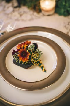 A Vintage Fall Wedding Inspiration Shoot Feather Boutonniere, Flower Corsage, Corsage Wedding, Thanksgiving Tablescapes, Vintage Fall, Bridezilla, Floral Crown, Green Flowers, Fall Wedding