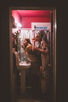 There's no one like your BFF! Here some cute phot ideas for that BFF goal! Best Friend Pictures, Bff Pictures, Friend Photos, Night Pictures, Party Pictures, Night Photos, Bff Pics, Best Friend Fotos, My Best Friend