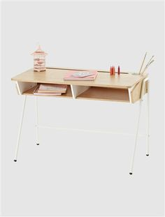 desk for olivia Living Room Decor, Bedroom Decor, Oak Desk, White Desks, Nordic Design, Drafting Desk, Office Desk, Furniture, Home Decor